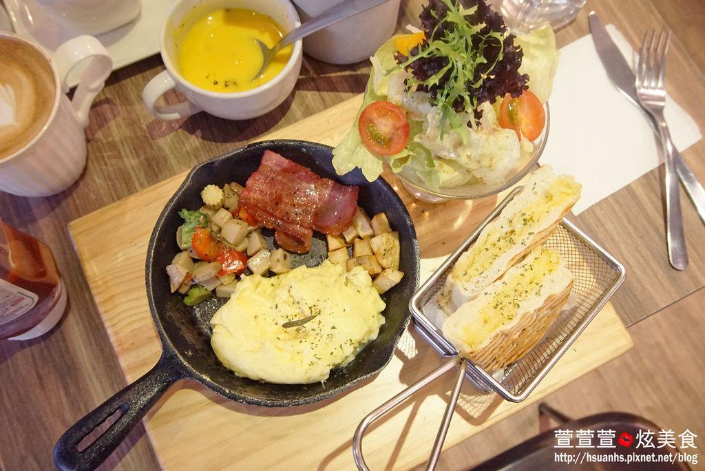 高雄- 44 bit cafe (25).JPG