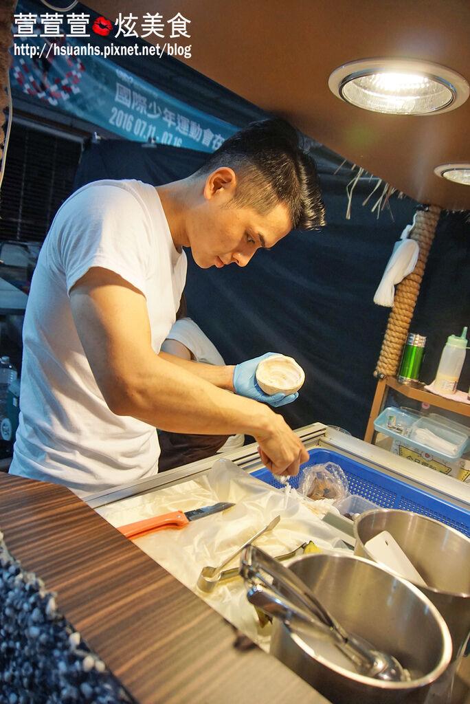 Coco Brother 椰子冰淇淋_三和夜市 (10).JPG
