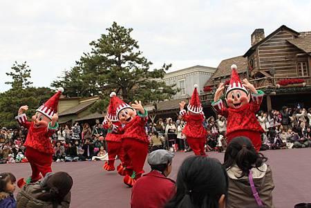 聖誕節特別遊行 -以定點唱跳為主