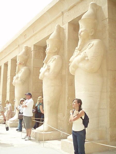 女王殿的巨像