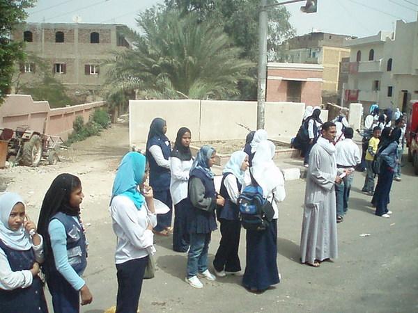 放學中的埃及學生