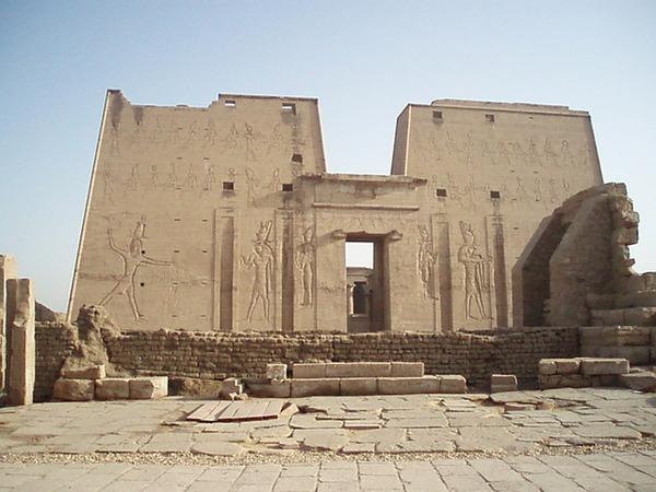 神殿巨幅壁畫