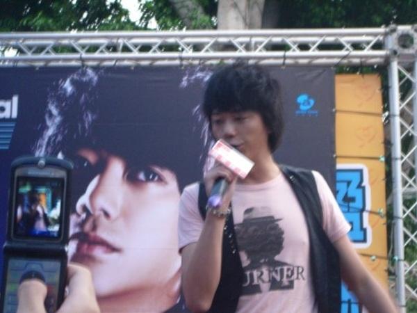 20081108信台南簽唱會4.jpg