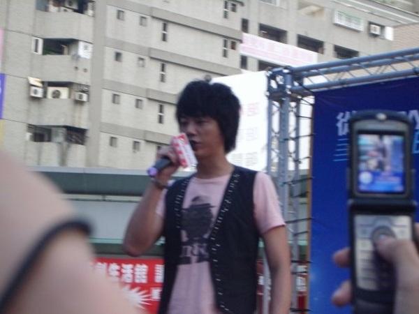 20081108信台南簽唱會6.jpg