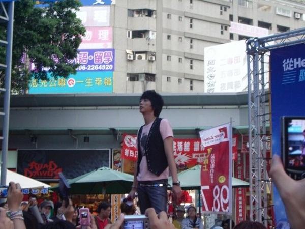 20081108信台南簽唱會15.jpg
