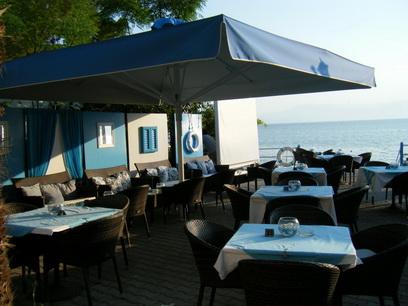 臨海的咖啡店