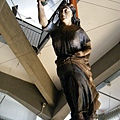 船頭的幸運女神雕木