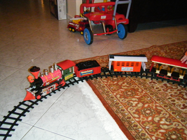 有6大車廂的電動火車
