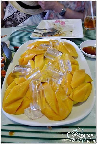 同事還買了芒果