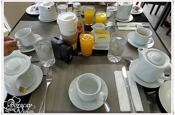 餐具  好滿的桌面