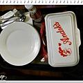 飯店提供盤子 叉子