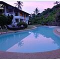 黃昏的游泳池