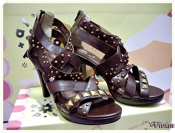 第三雙 棕色龐克羅馬鞋