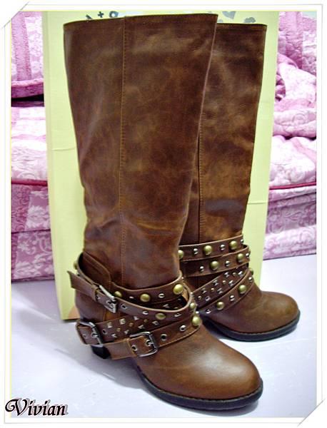 第四雙  淺棕龐克羅馬長靴