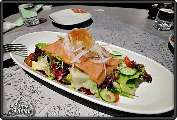 前菜(任選一)燻鮭沙拉