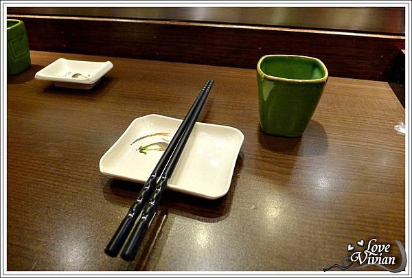 熱茶跟餐盤
