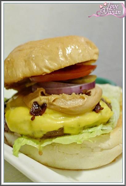 花生醬漢堡  蓋上麵包