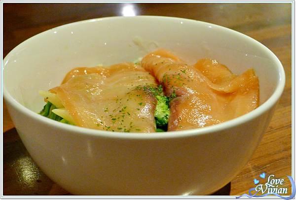 義大利碗麵~奶油燻鮭魚麵   180元