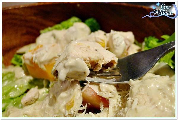 木碗沙拉 ~凱薩雞肉沙拉
