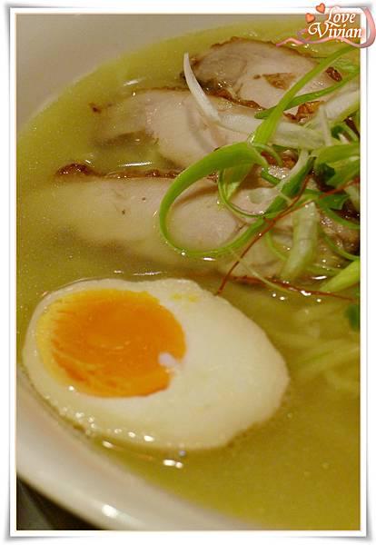 白湯拉麵+特製美味蛋  180元