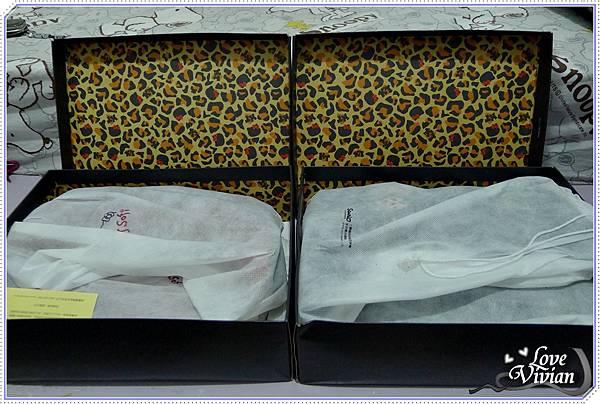 紙盒內的豹紋,防塵套