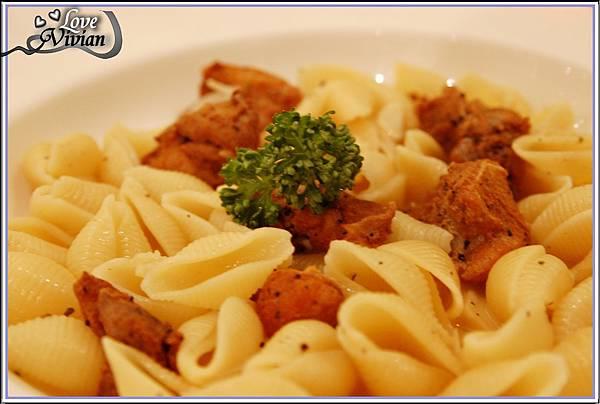主餐:雞肉檸檬貝殼麵