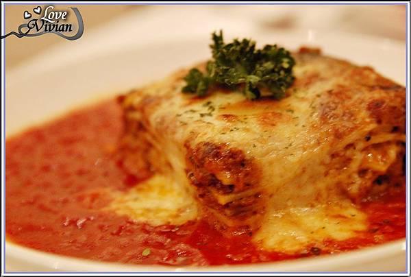 主餐:義式肉醬千層麵