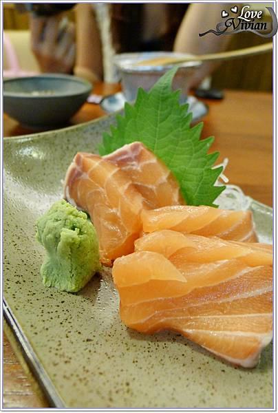 鮭魚生魚片       100元