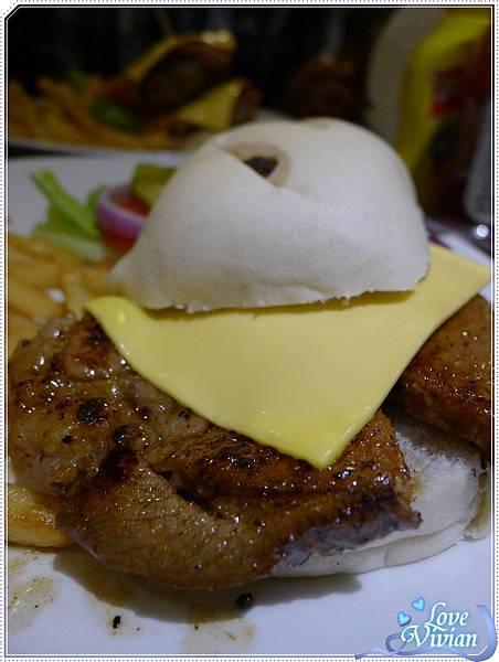 紐約客豬排漢堡~歐克麵包