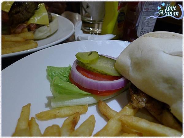 紐約客豬排漢堡~一點點配菜