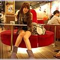 桌椅系列~紅色沙發區