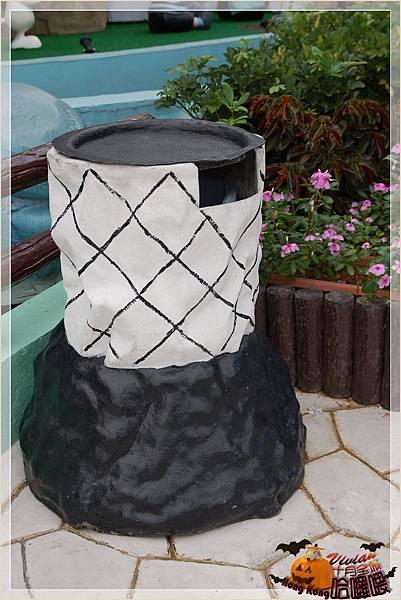 垃圾桶是足球造型.jpg
