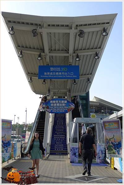 昂列纜車的手扶梯.jpg