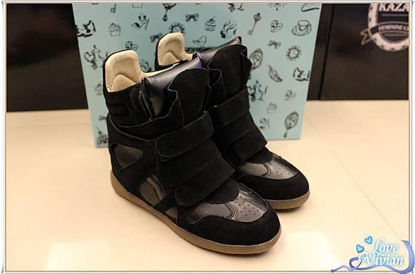 黑色內增高休閒鞋 699元.jpg