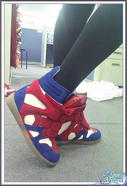 內增高休閒鞋(紅藍)03 699元.jpg