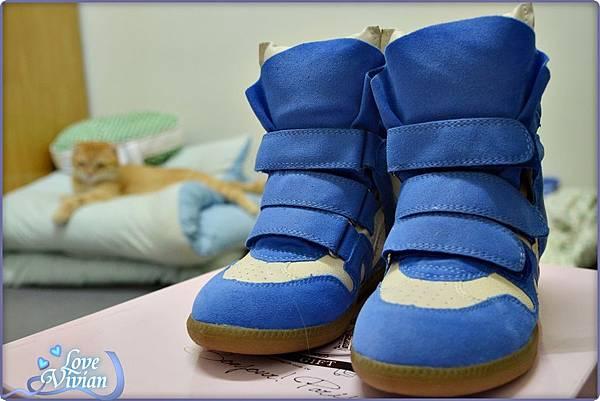 馬卡龍系列藍色的內增高休閒鞋 699元01.jpg