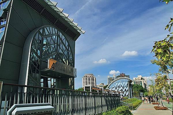 大安森林公園站1.JPG