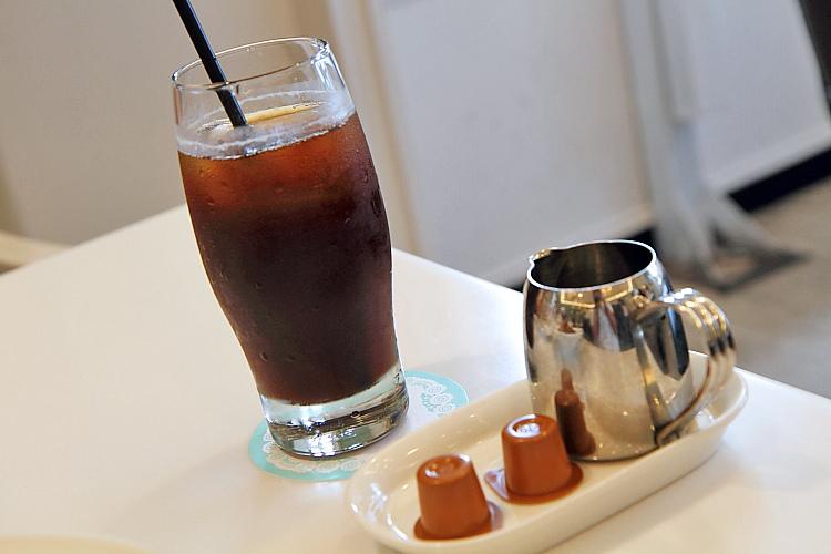 Dazzling Cafe7