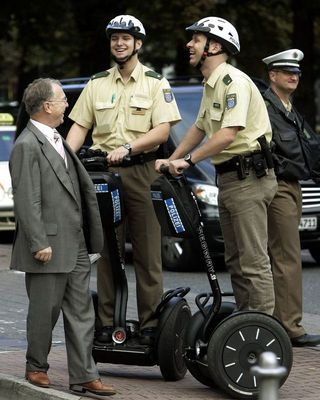德國警察的電動車.jpg