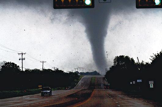 龍捲風席捲德州達拉斯-沃斯堡都會區