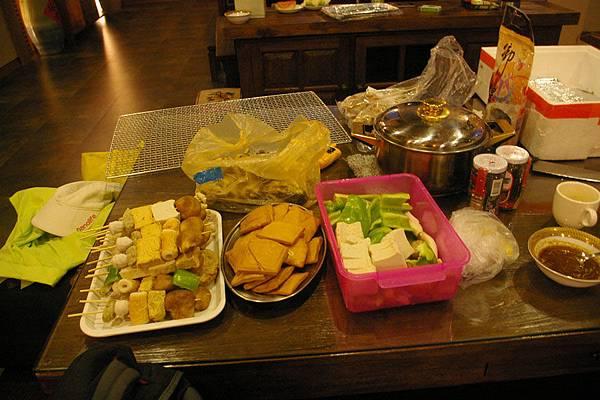 食材準備好了,這些是素菜桌
