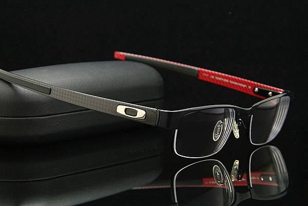 Oakley Carbon Plate OX5079碳纖維眼鏡 & Essilor e-lens法國依視路紓壓濾藍光鏡片