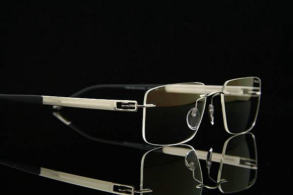 Silhouette詩樂眼鏡 5235 純鈦無螺絲設計無重量無邊鏡架