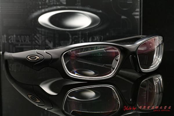 OAKLEY US STANDARD ISSUE STRAIGHT JACKET 11-014 & 高階抗衝擊第七代全視線視無限調光變色鏡片 生存遊戲的最佳選擇