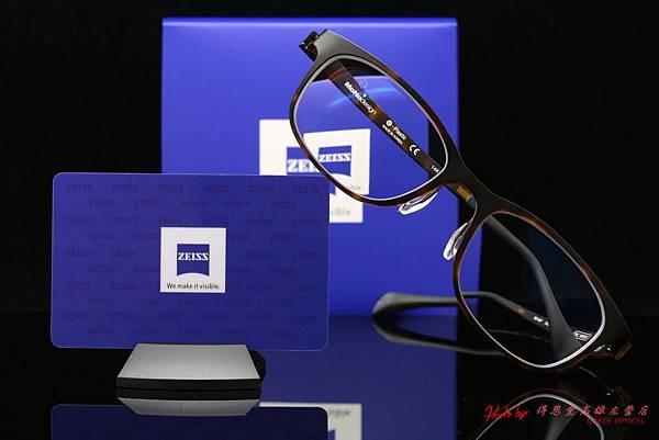 ZEISS蔡司3D新極品Asiana煥視變色鑽立方鉑金鍍膜鏡片&Betapla MONO DESIGN MO-057 郭雪芙簽名款