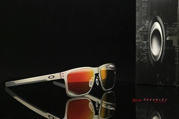OAKLEY Holbrook Metals 太陽眼鏡 & 客製化SPORT完美變色紅鍍膜多焦點運動鏡片