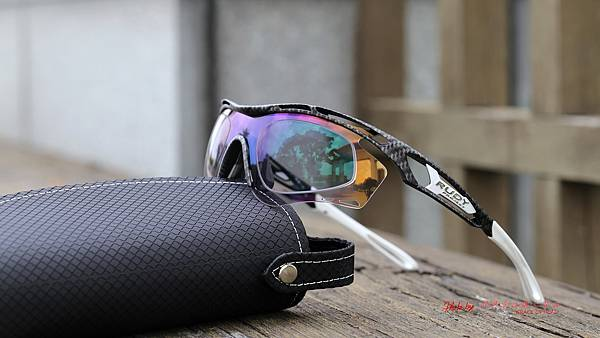 Rudy Project Tralyx 碳纖維紋路運動型太陽眼鏡 & 客製化SPORT變色款近視運動鏡片