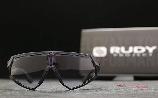 Rudy Project DEFENDER ImpactX Photochromic 2Black 變色運動型太陽眼鏡 高雄得恩堂左營店 專業銷售店