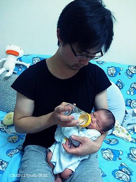 100_10_baby17.JPG