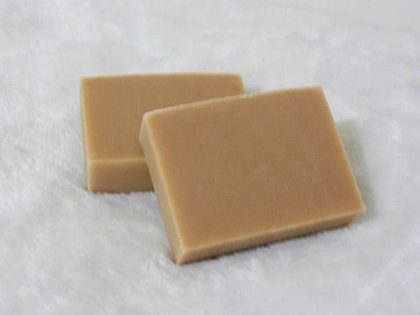 456-20140707-邱小姐-茶樹酪梨母乳皂